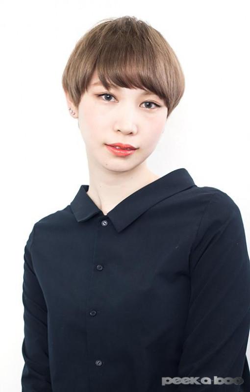 アッシュベージュカラー PEEK-A-BOO 菊地優子